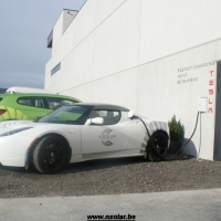 Fast charger Tesla 90A